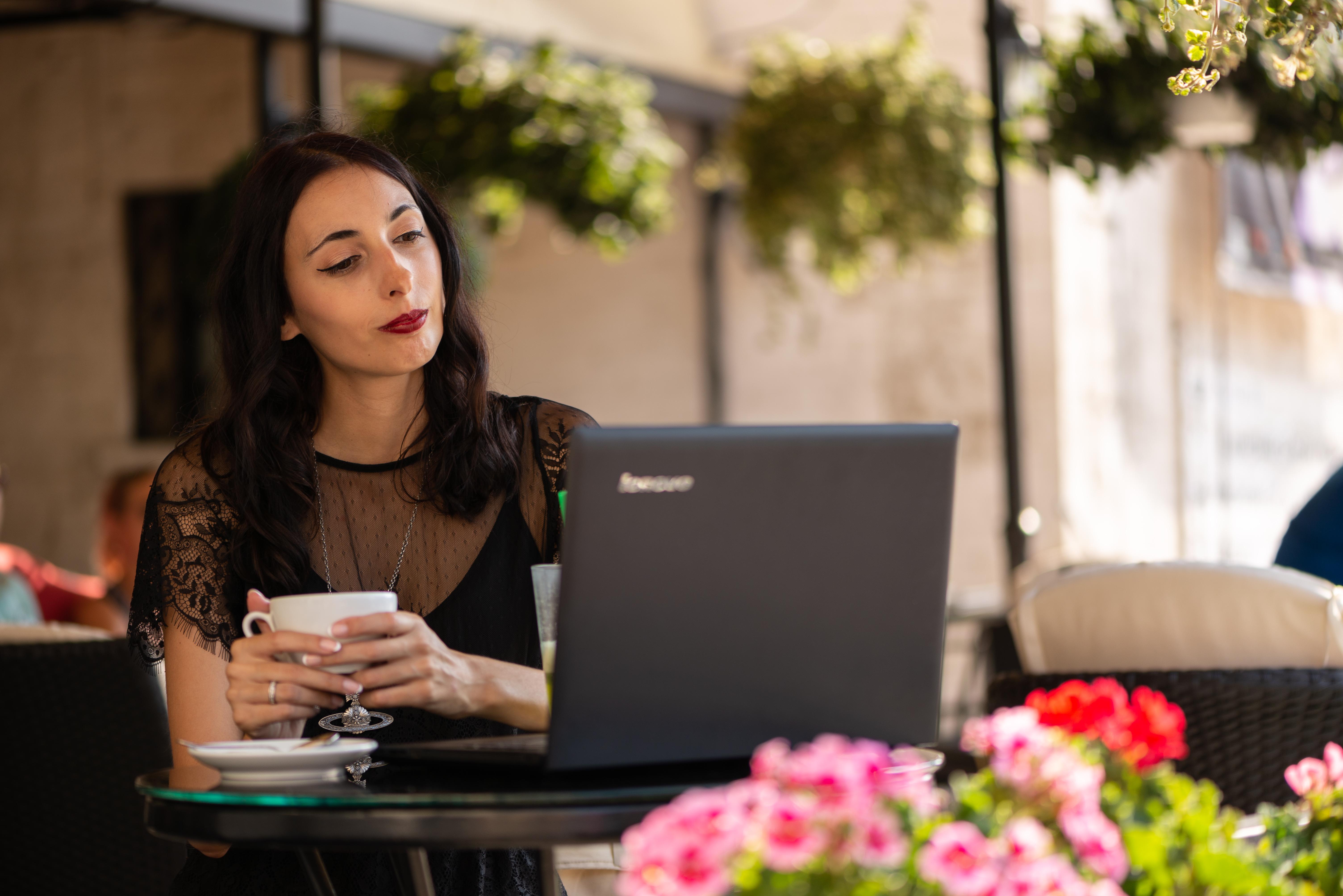 Allegra Caro is a blogger
