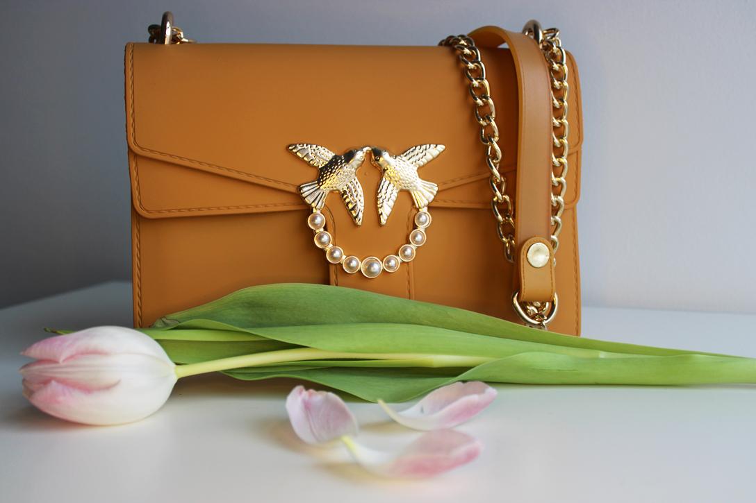 Pinko love bag in honey