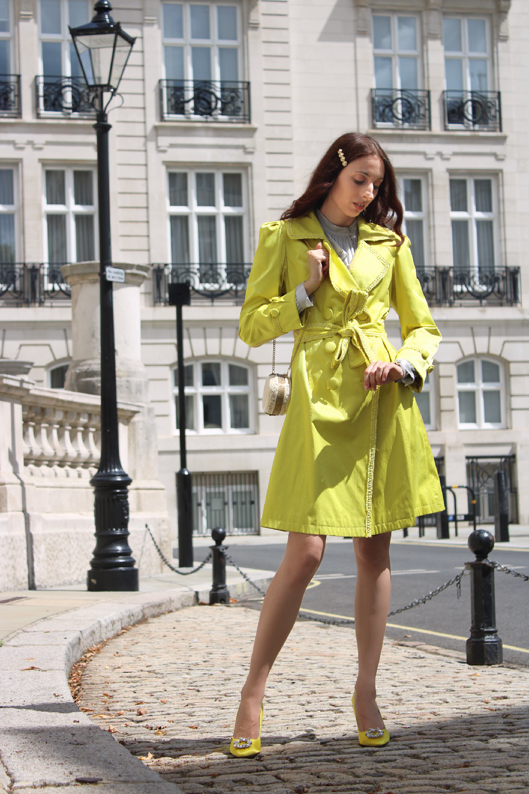 The best yellow trench coat for autumn