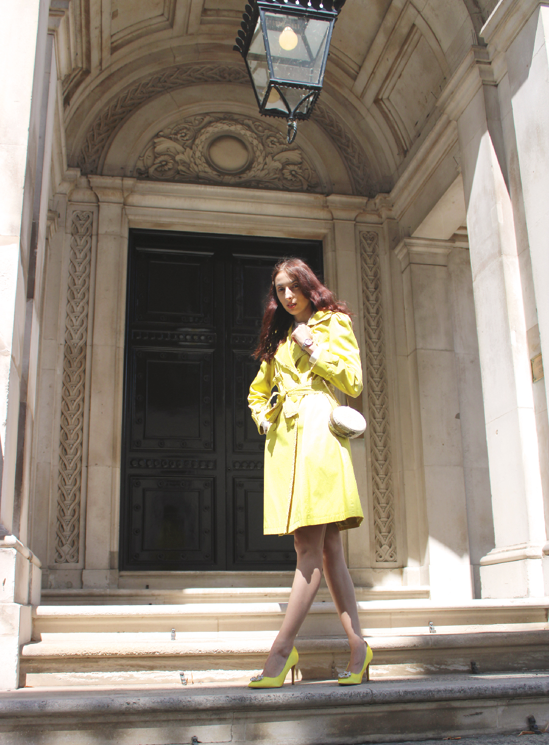 The best yellow trench coat this autumn